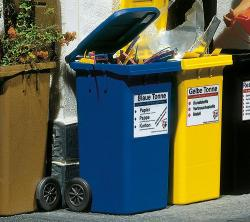 2 Refuse bins, blue