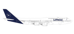 Boeing 747-8 Intercontinental Lufthansa (new colors)