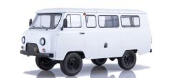 UAZ -2206 Bus, weiß