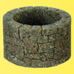 $$ VOL/0 Brunnen, Bruchstein, 2 Stück, Höhe 2,2 cm, Durchmesser außen 3,5 cm